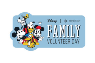 Families can enjoy fun volunteer opportunities at Disney Springs on November 23. Photo credits (C) Disney Enterprises, Inc. All Rights Reserved