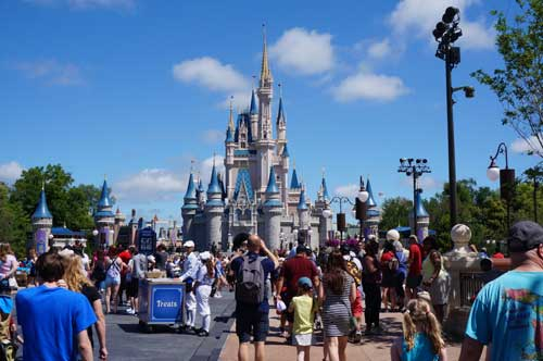 Disney World attendance fell in the first quarter of 2016.
