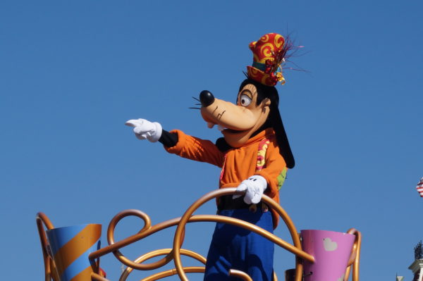Goofy is the best classic character to meet because he's very animated.