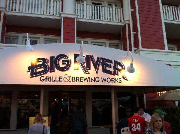 Enjoy some microbrews at Big River Grille.