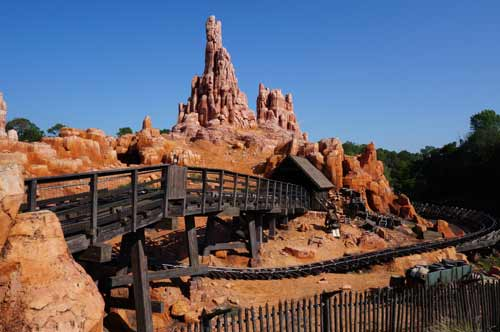 Besides the color of the mountain itself, the Walt Disney World version of the ride is identical to the one in Disneyland.
