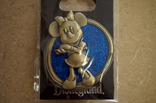 Minnie Mouse Disney Trading Pin.