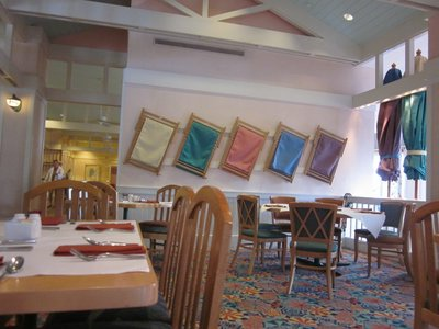 The laid back feeling at the Cape May Cafe is perfect for meeting Goofy and his friends.