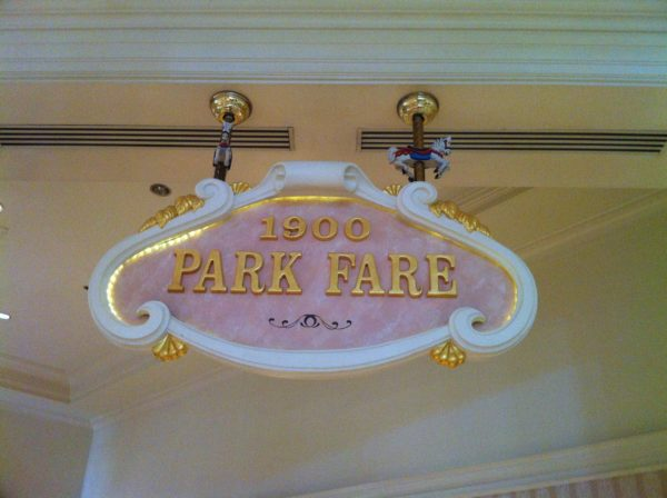 1900 Park Fare offers many opportunities for Character Dining!