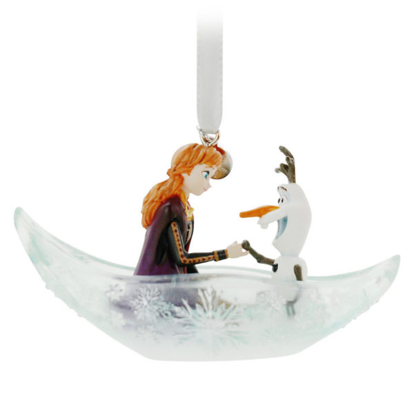 Anna and Olaf. Photo credits (C) Disney Enterprises, Inc. All Rights Reserved