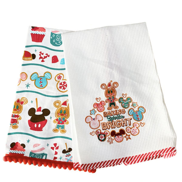 Christmas themed baking towels. Photo credits (C) Disney Enterprises, Inc. All Rights Reserved