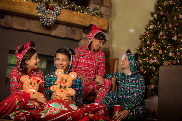 Pajamas for the whole family. Photo credits (C) Disney Enterprises, Inc. All Rights Reserved