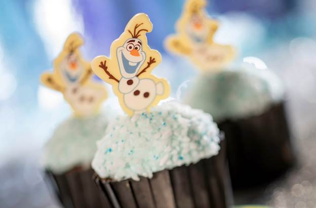 Five Limited Time Christmas Themed Snacks At Walt Disney World