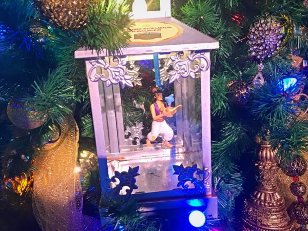 Love this Aladdin ornament with his Genie.