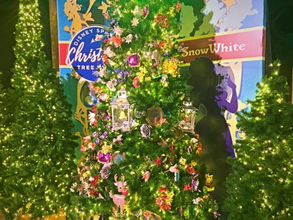 Snow White themed Christmas Tree.