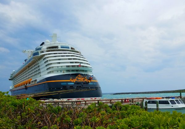 Disney Cruise Line is now offering free text messaging to all of its cast and crew members while on board.