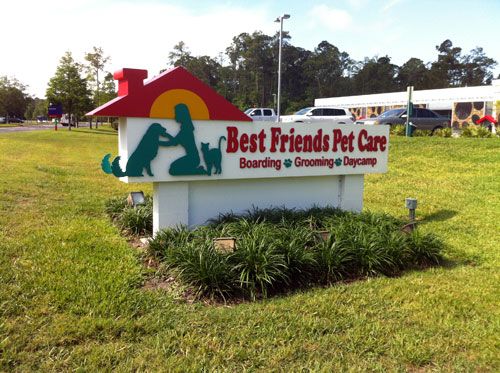 Best Friends Total Pet Care provides a vacation for your pet.