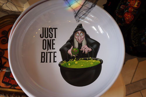 Plate with the witch from Snow White.