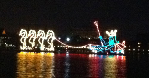 The Electric Water Pageant is a great romantic end to an evening.