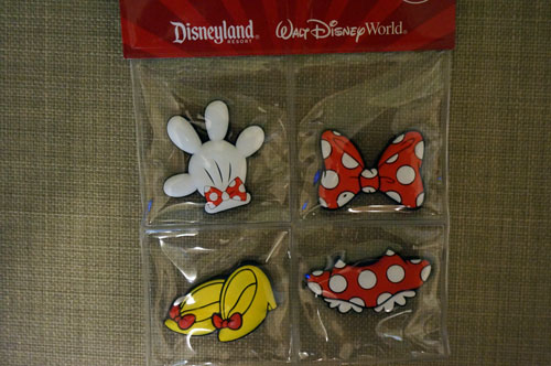 Cute collection of Minnie pieces.