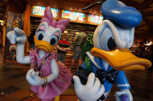 Daisy seems very interested in this shop, but Donald is ready to move on.