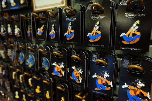 Pins, pins everywhere. Here are a few hundred featuring Goofy!
