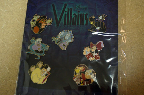 This set of pins celebrates Disney Villains.