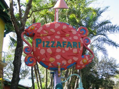 Pizzafari offers pizza, of course, but also sandwiches and salads.