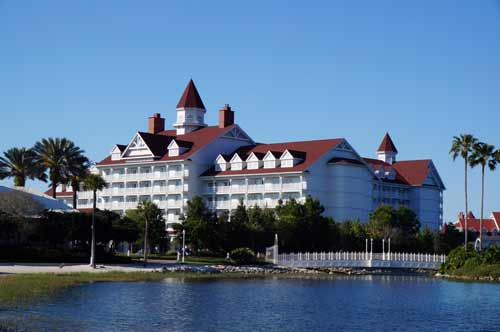 Runners can follow the one mile path at the Grand Floridian or double that distance by combining it with the path around the Polynesian Village Resort.