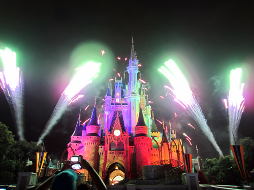 Don't miss the Wishes Fireworks Spectacular during your vacation!