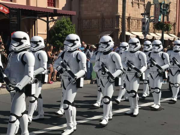 Don't expect to mark right into Star Wars: Galaxy's Edge! Disneyland is restricting access, and they just might have Stormtroopers on guard!