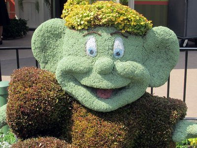 Dopey Topiary 2013