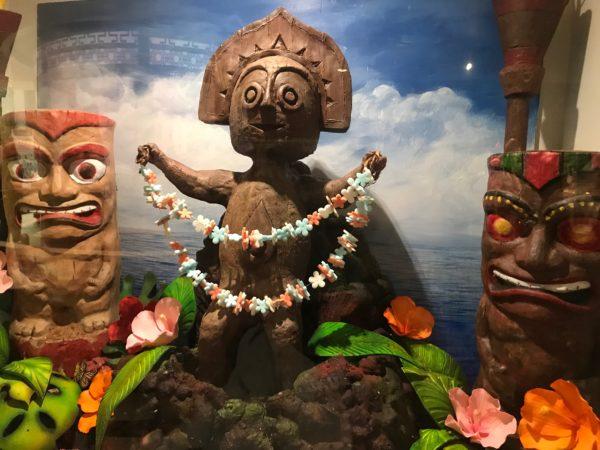 Polynesian Resort tikis.