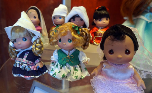 Small World Precious Moments Figurines - $125.