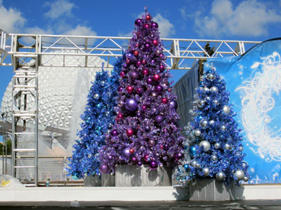 Flashy Christmas trees on the set of the Joyful show.
