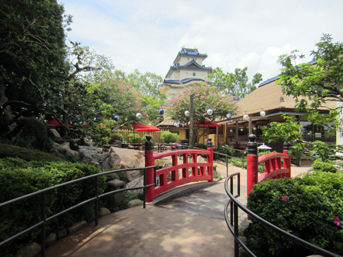 Dine in beautiful Japanese gardens!