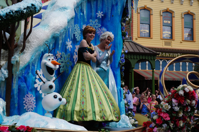 Anna and Elsa - 80 degrees in Florida feels cold!