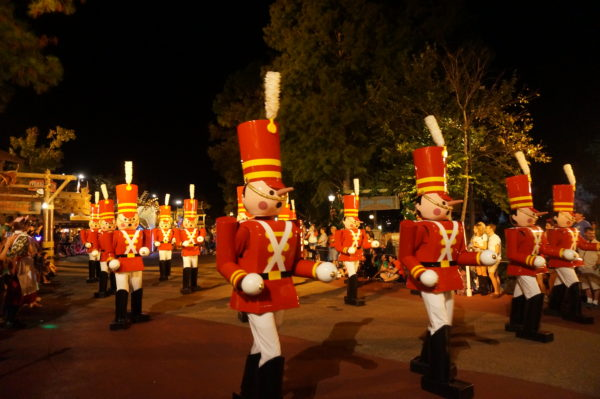 The toy soldiers have been part of Disney World's Christmas parade since the beginning!