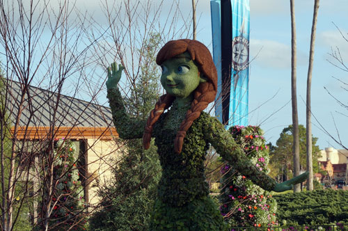 I think Disney did a great job with these new topiaries.
