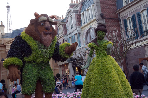 Beauty and the Beast in France.  The Belle topiary still has the old style of face design and not the new style with more detail.