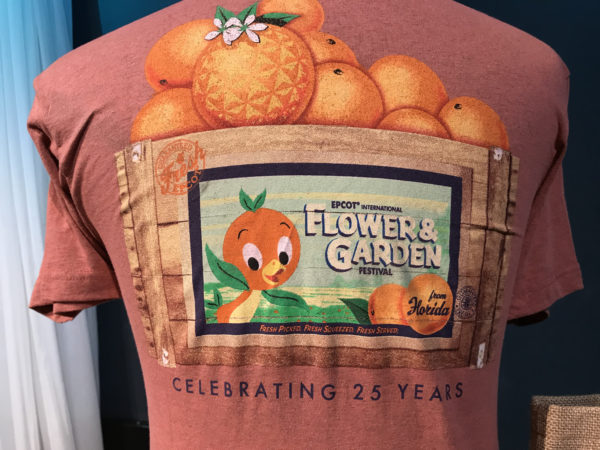 Orange Bird is pictures on this shirt with the delicious Florida oranges!