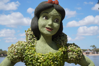 Snow White looks amazing this year, doesn't she?
