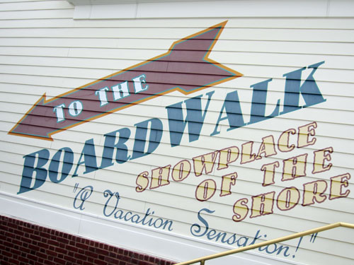You will find fun entertainment at the Boardwalk.