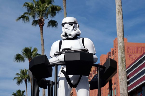 Star Wars Land should open by 2017.