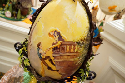 Egg with amazing artwork from Tangled.