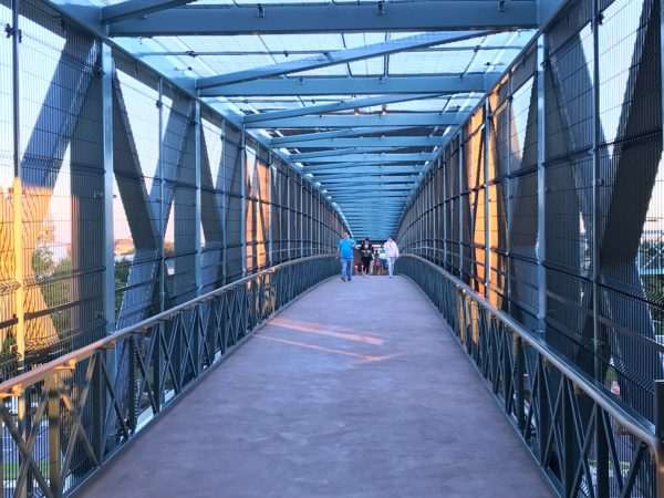 Pedestrian bridge that connects the garage to Disney Springs