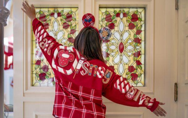 We've got Christmas spirit! Photo credits (C) Disney Enterprises, Inc. All Rights Reserved