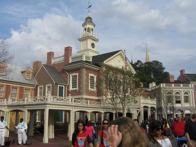 Witness American history come to life in the Hall Of Presidents.