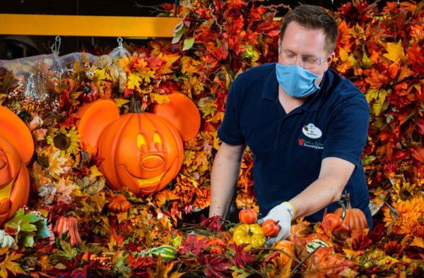 Disney Cast Members are getting ready for Halloween! Photo credits (C) Disney Enterprises, Inc. All Rights Reserved