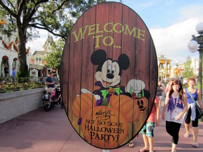 Showing up early for the Halloween Party allows you to enjoy more of the park.