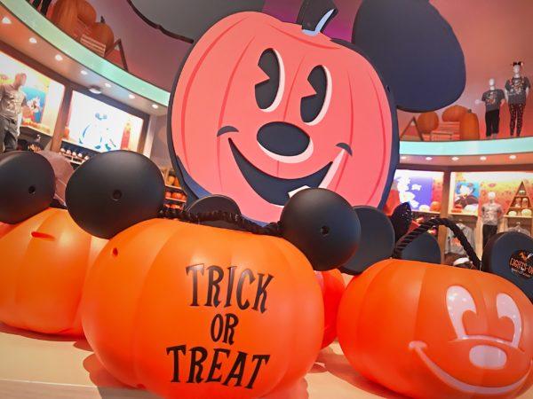 Mickey pumpkins, everywhere!