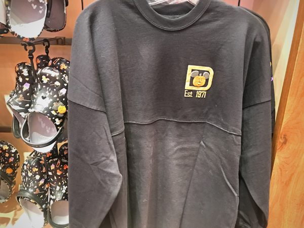 This heavy sweat shirt, not really designed for Florida weather, features the classic D logo and a pumpkin for $69.99.