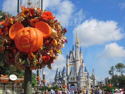 The Magic Kingdom Gets Decked Out For Fall Photo Tour