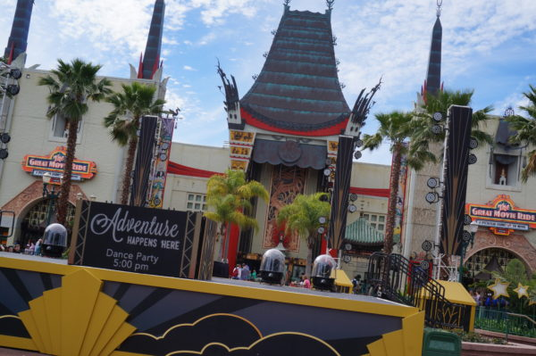The Chinese Theater hosts several shows throughout the day!