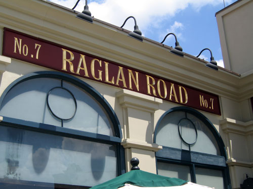 Enjoy late night food and entertainment at Raglan Road.